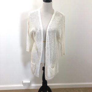 💜 Gilly Hicks white sweater 💜